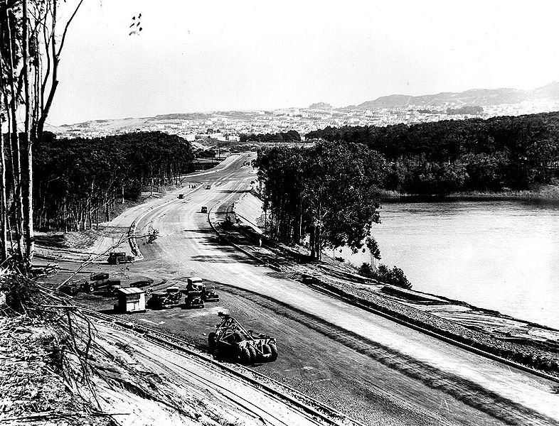 File:Skyline-Blvd-north-at-Great-Highway-Lake-Merced-at-right-Fleishhacker-Zoo-ar-left-Sunset-ahead-March-15-1937-SFDPW.jpg
