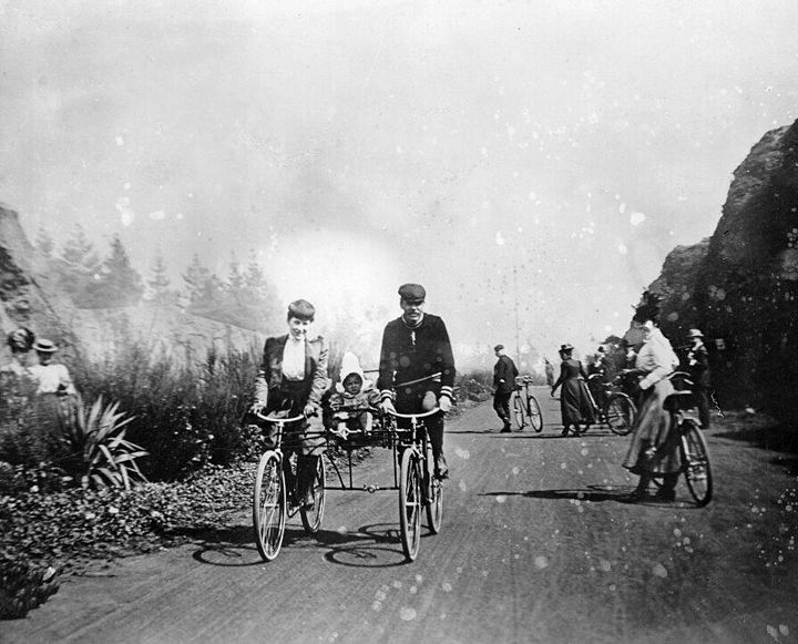 Cycling-in-ggpk-1890s.jpg